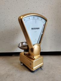 Vintage goud kleurige weegschaal