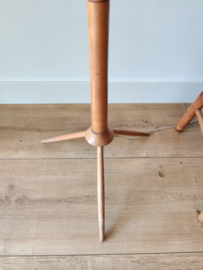 Vintage houten driepoot lamp