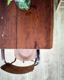 Oude houten werktafel