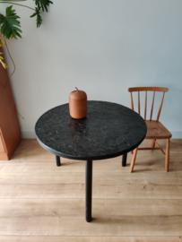 Vintage side- of salontafel met natuursteen blad
