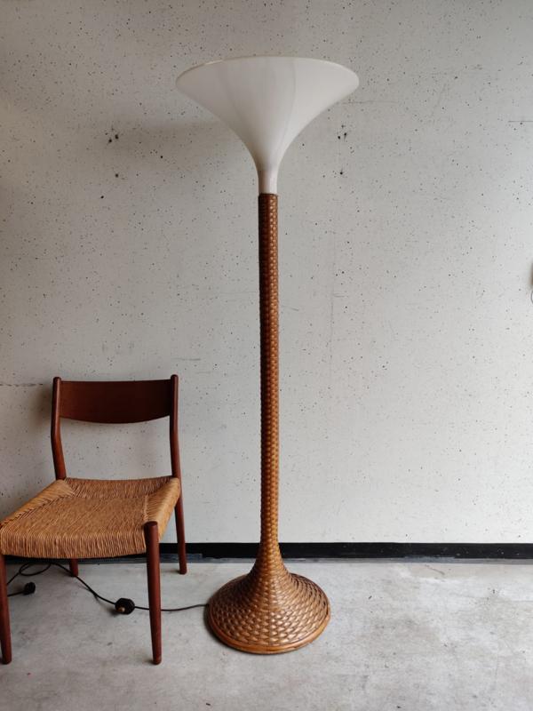 Vintage rotan vloerlamp