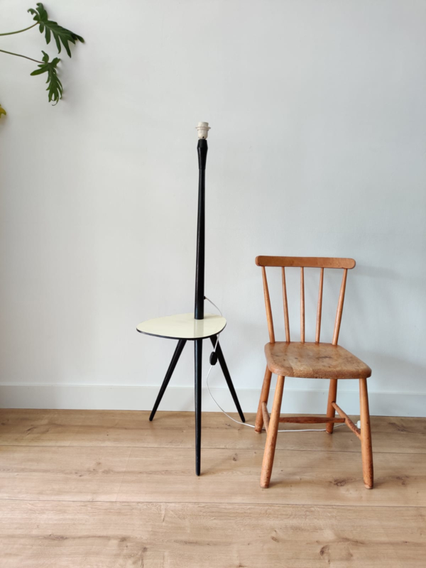 Vintage vloerlamp met serveer blad