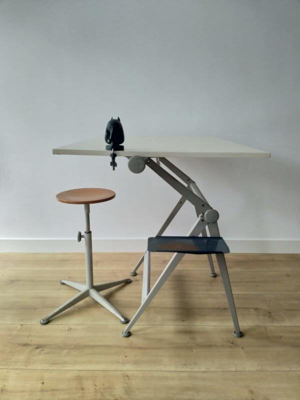 Friso Kramer tekentafel met kruk