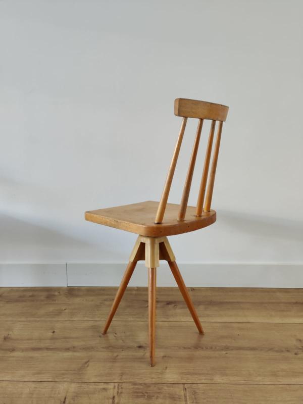 Vintage houten werkstoel