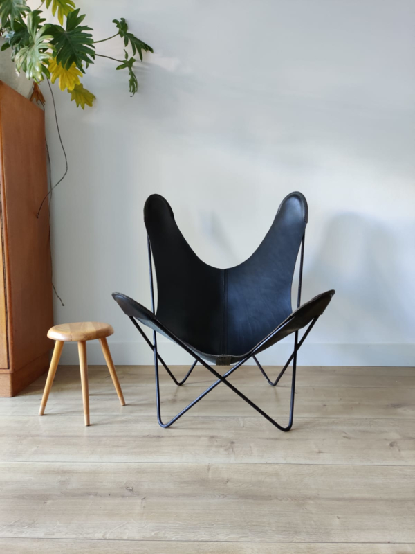 Vintage butterfly chair
