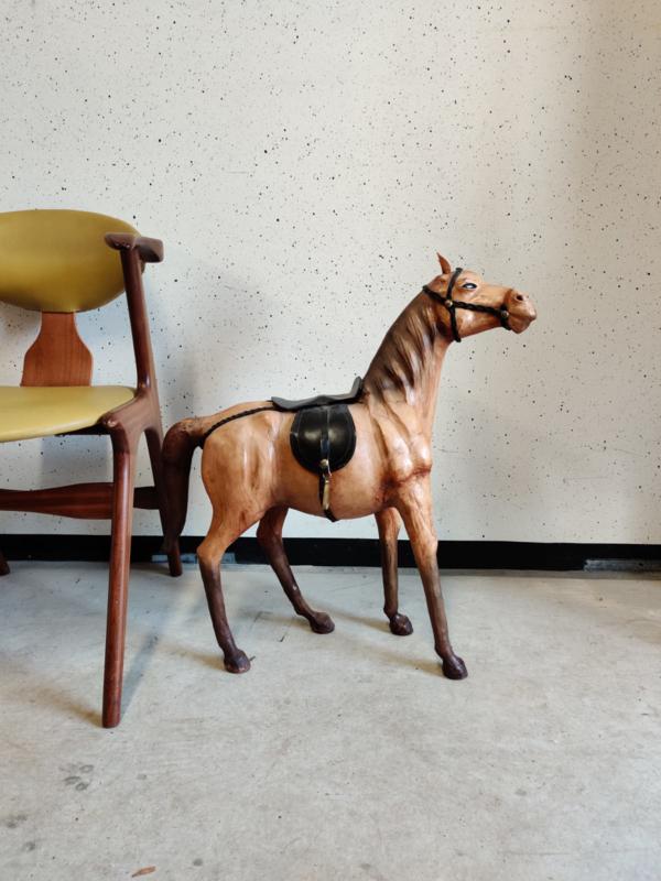Groot vintage leren paard