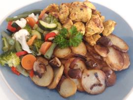 Snelle maaltijdkeus 2 aardappels, groentemix & blokjes gekruide kip