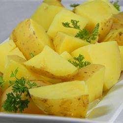 Gestoomde biologische aardappels