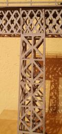 Stützen zu Fachwerkbrücke