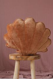 Velvet sierkussen schelp, 'Caramel' -MoiMili