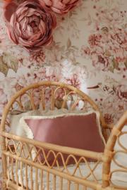 """"""" Cozy & Soft"""" Sierkussen Pink & Peony- Tweezijdig"""