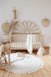 Rotan Pauwen bed/ledikant