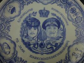 Porseleine bord  75 jaar Marechaussee vereniging 1907-1982