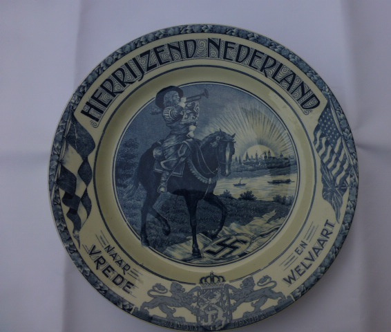 Herdenkings bord  Herrijzend Nederland