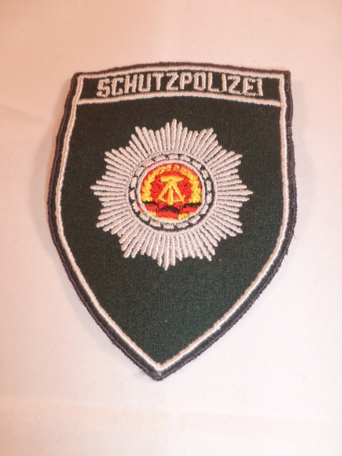 Schutzpolizei machinaal geborduurd  mouwembleem