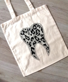 Toothy leopard grey bag
