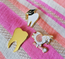 Graduation tooth pin