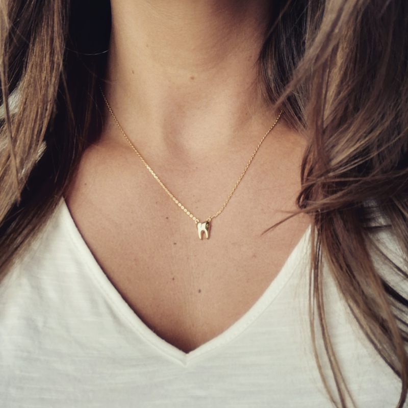 18k gold plated toothy necklace