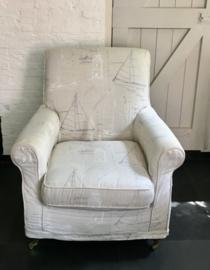 Lazy chair sailing yachts
