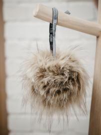 Pompons - raccoon faux fur