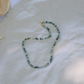 Leafs agate necklace