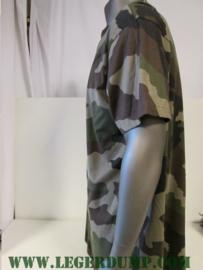 T-Shirt camouflage maat 120 (valt als XXXXL) groen bruin zwart