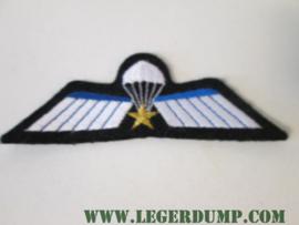 """Opnaai embleem """"Wing"""" (voor het """"nette pak"""")."""