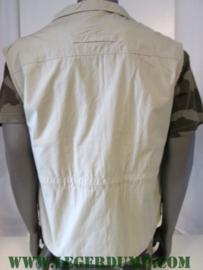 Outdoor vest khaki