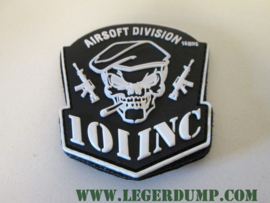 Embleem Airsoft Division met klittenband kleur zwart