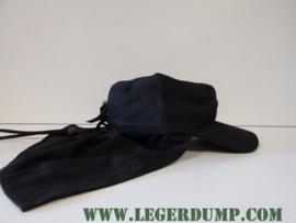 Fieldcap met nekbescherming zwart