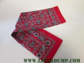 Zakdoek (boerenzakdoek) rood met kleine figuurtjes