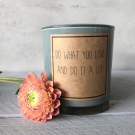 Soja geurkaars met quote- love