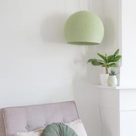 Licht groene hanglamp halve bol