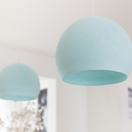 Lichtblauwe hanglamp halve bol