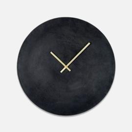 Staande zwarte klok