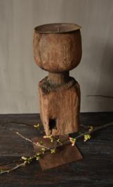 Oude houten Kandelaar L Vierkant