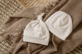 Newborn (knoop)mutsje | Zand