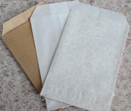 Papieren cadeauzakjes