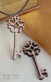 Sleutel hout met/zonder ketting
