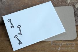 Envelopje stempel sleuteltjes & kaartje eigen tekst