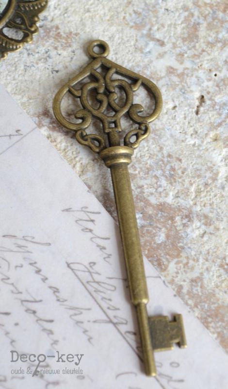 Retro sleutel brons