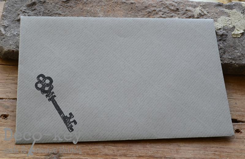 Envelop met sleutel stempel in vele kleuren