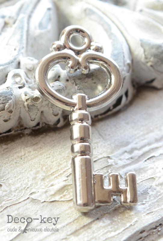 Bedel sleuteltje zilver