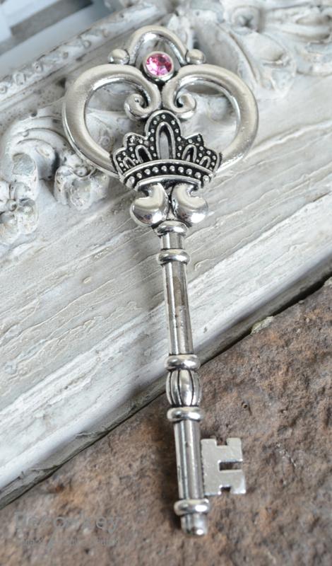 Sleutel vintage zilver similisteen 12 kleuren