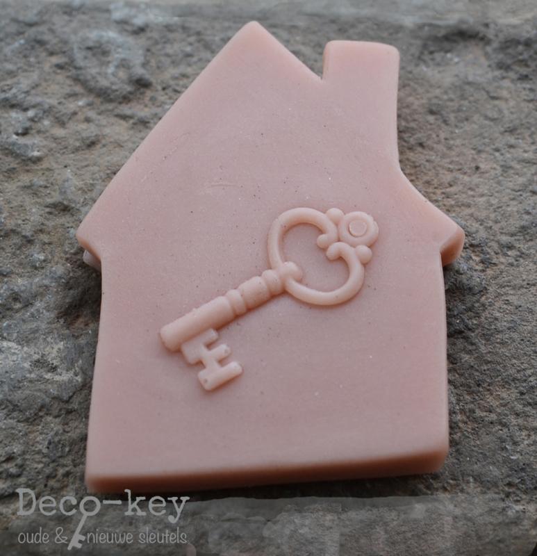 Zeepjes huisje met een sleutel in vele kleuren. Per 10
