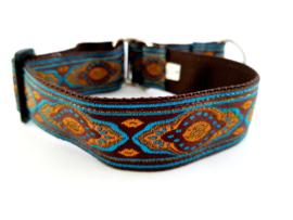 Martingale halsband bruin/turquooise met sierlint, 3cm breed