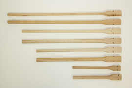 Houten zitstok 30cm 8x10mm (Holzsitzstange 30 cm 8x10 mm)