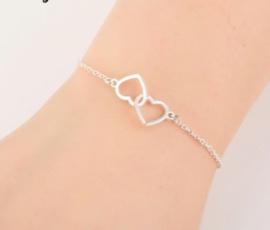 Hart in hart armband zilver - hartjes armband - cadeau vriendin - geschenk vrouw - verjaardagscadeau