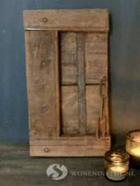 Authentiek oud deurtje/luik met ketting uit India (2)