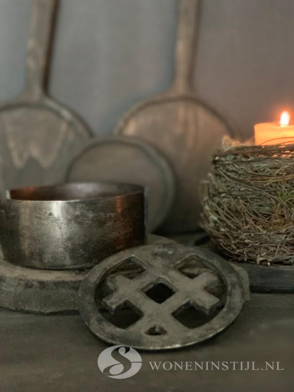 IJzeren onderzetters in houder | Antiek zilver